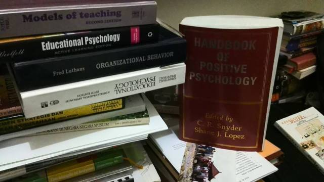 Buku Psycology Positive.jpg